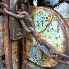 rusty lock and chain