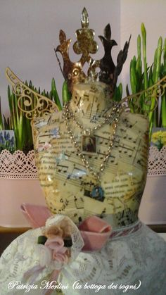 Bust decorated top