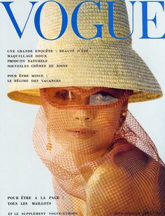 Dorian Leigh - Vogue Europe June/July 1961 by Willy Rizzo Vogue Magazine Covers, Fashion Magazine Cover, Fashion Cover, 1960s Fashion, Vogue Fashion, Vintage Fashion, Vogue Editorial, Editorial Fashion, Magazine Mode