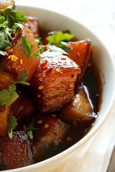 Caramel Pork Pork Belly Recipe http://simply-delicious.co.za/2011/09/19/caramel-pork-belly/