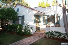 Charming remodeled California Bungalow, a block from Melrose Ave in WeHo! Spanish Kitchen Decor, Spanish Style Bathrooms, Spanish Bungalow, Spanish House, Spanish Colonial, Spanish Revival, Spanish Modern, Mediterranean Style Homes, Spanish Style Homes