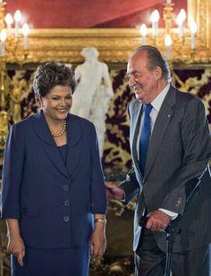 Spain's king leaves hospital after hip operation - Yahoo! News