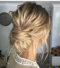 These are the best going out hairstyles for all hair types! No matter if you have long, short, or medium hair lengths these easy hairstyles are for you! Going Out Hairstyles, Messy Bun Hairstyles, Romantic Hairstyles, Messy Updo, Bride Hairstyles, Hairstyle Ideas, Updo Hairstyle, Hair Ideas, Braided Updo