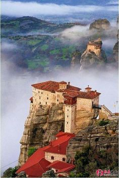 The incredible monasteries of Meteora, Greece, built on majestic sandstone rock pillars. Today an UNESCO World Heritage Site, the name 'meteora' means 'suspended in the air' in Greek. Places To Travel, Places To See, Travel Pics, Vacation Travel, Places Around The World, Around The Worlds, Myconos, Nature Photography, Travel Photography