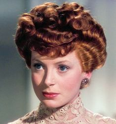 Deborah Kerr -- a very young one; this photo may be from before she ever even came to the USA. Would you want to change anything about that face? Um . . . no.