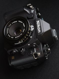 """Vintage Cameras I already have the lens, just need the Nikon DF. (then I could purge all of my """"compact"""" cameras. Antique Cameras, Old Cameras, Vintage Cameras, Nikon Cameras, Camera Hacks, Camera Gear, Nikon Df, Nikon Digital Camera, Film Camera"""