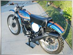 Old school Moto-X, Spanish style with this 1974 Ossa 250 Phantom.