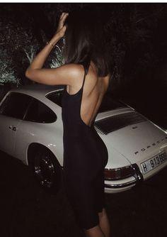 911 - Pin-up Girls - Autos Porsche 911 Targa, Porsche Autos, Porsche Cars, Ferdinand Porsche, Sexy Cars, Hot Cars, Car Girls, Pin Up Girls, Sexy Autos