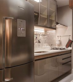Small Apartment Decorating, Decorating Small Spaces, Kitchen And Kitchenette, Fancy Houses, Contemporary Kitchen Design, Kitchen Cabinet Design, Home Decor Kitchen, Interiores Design, Kitchen Remodel