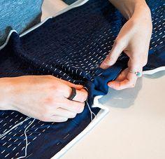 Back Stitch Bind Off Knitting Machine French Knot Stitch Embroidery Designs Step By Step Embroidery Stitches Tutorial, Sashiko Embroidery, Sewing Stitches, Japanese Embroidery, Silk Ribbon Embroidery, Cross Stitch Embroidery, Machine Embroidery Designs, Embroidery Patterns, Stitch Patterns