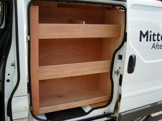 Renault Trafic SWB - Offside and bulkhead shelving with side load door compartment