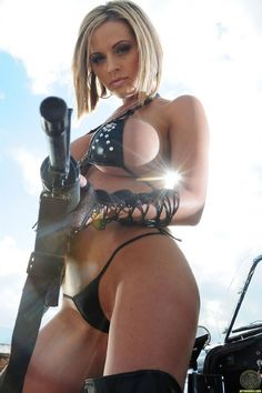 girls-and-guns_08