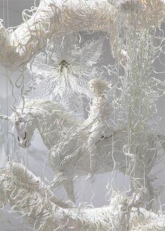 Licorne en papier #papier #licorne #art #sculpture #paperart