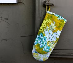 How to Make an Oven Mitt with Free Pattern | Pretty Prudent