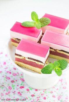 Fiona torta - recept v poľskom jazyku Cookie Desserts, No Bake Desserts, Cookie Recipes, Dessert Recipes, Unique Desserts, Delicious Desserts, Yummy Food, Eclairs, Cake Cookies