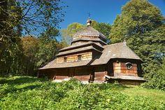 Ulucz Podkarpackie - największe atrakcje Temples, Poland, Cabin, House Styles, Home Decor, Decoration Home, Room Decor, Cabins, Cottage