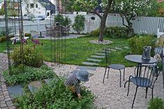 Dela upp trädgården i rum Landscape Design, Garden Design, Grandmas Garden, Black Garden, Outdoor Projects, Garden Styles, Dream Garden, Garden Planning, Garden Paths