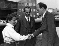 Hanna Reitsch with Alexander Lippisch, center, and Willy Messerschmitt, right Luftwaffe, Heroines, Pilot, Germany, Women, Weapons Guns, People, Deutsch