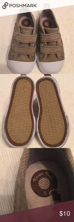 Koala Kids Corduroy Sneakers Velcro fasteners, pristeen condition! Koala Kids Shoes Sneakers