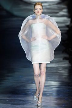 See all the Collection photos from Giorgio Armani Prive Spring/Summer 2010 Couture now on British Vogue Space Fashion, Fashion Week, Fashion Art, Editorial Fashion, Runway Fashion, High Fashion, Fashion Show, Fashion Design, Armani Prive