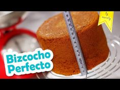 ✔ Homemade BISCUIT recipe, tips and advice for easy, rich and fluffy homemade cake. Homemade vanilla sponge cake, 1234 sponge cake and more. Authentic Mexican Recipes, Mexican Food Recipes, Sweet Recipes, Cake Recipes, Homemade Biscuits Recipe, Biscuit Recipe, Homemade Cakes, Pan Dulce, Vanilla Sponge Cake
