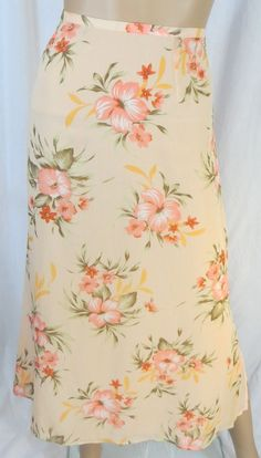 """EMMA JAMES"" PEACH FLORAL SKIRT - PLEASE SEE ALL PICTURES #EMMAJAMES #PLEASESEEALLPICTURES"