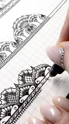 Doodle Art Drawing, Zentangle Drawings, Zentangles, Mandala Sketch, Mandala Drawing, Mandala Art Lesson, Mandala Artwork, Art Drawings Sketches Simple, Pencil Drawings