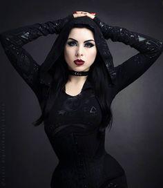 Model: Lady Kat Eyes Photographer: Digitalbeautystudio Hooded Dress: Killstar Welcome to Gothic and Amazing |www.gothicandamazing.com