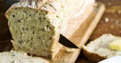 Helppo vuokaleipä syntyy pussien pohjille jääneistä jauhoista, leseistä ja hiutaleista. Kurkkaa resepti! Baked Goods, Banana Bread, Baking, Desserts, Recipes, Tailgate Desserts, Deserts, Bakken, Postres