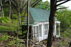 Studio in the Catskills - Sandy Foster White Cottage, Shabby Chic Cottage, Le Hangar, Build Your Own Shed, My Ideal Home, Victorian Cottage, She Sheds, Shed Homes, Shed Design