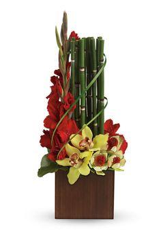 39 ideas for flowers boquette floral arrangements ikebana Tropical Flowers, Tropical Flower Arrangements, Gladiolus Arrangements, Ikebana, Deco Floral, Arte Floral, Flower Centerpieces, Flower Decorations, Bamboo Centerpieces