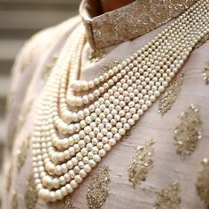 Trendy Groom Jewellery Ideas For All The Dapper Grooms Out There! Indian Groom Dress, Wedding Dresses Men Indian, Wedding Outfits For Groom, Wedding Dress Men, Wedding Groom, Wedding Men, Indian Weddings, Farm Wedding, Wedding Couples