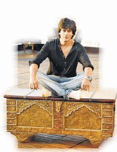 Shahrukh at his home Mannat.