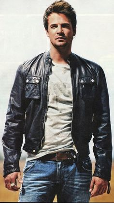 NINO ♡ Greek Icons, Greek Men, Leather Jeans, Leather Jackets, Famous Singers, My Music, Black Men, Have Fun, Bomber Jacket