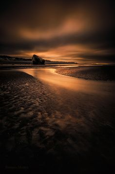 Meanders of Gold - Photography by Romain Matteï
