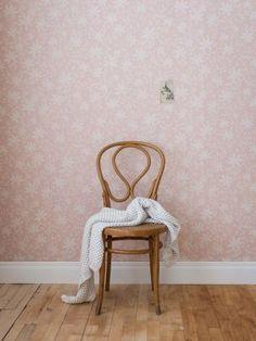 ECO Maple Leaf Pink Wallpaper