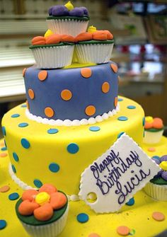 Buddy's Cake Creations Two-Tiered Cupcake Cake