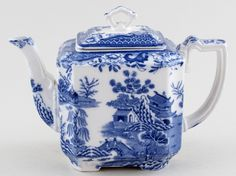 Delightful rectangular teapot with concave cut corners and lovely little loop finial to the cover. Blue And White China, Red White Blue, Willow Pattern, Chinese Landscape, China Tea Sets, Chinese Tea, China Patterns, Chinoiserie, Blue Nails