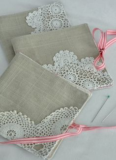 lacy needlebooks - picture only
