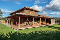 Modern Rustic Loma House in Ecuador by Iván Andrés Quizhpe Style At Home, Modern Rustic Homes, Tadelakt, Courtyard House, Design Blog, Diy Décoration, Home Fashion, My Dream Home, Exterior Design