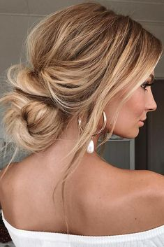 Elegant And Chic Hairstyles &; Elegant And Chic Hairstyles &; Elegant And Chic Hairstyles […] bun hairstyles bridesmaid Messy Bun Hairstyles, Chic Hairstyles, Holiday Hairstyles, Trending Hairstyles, Hairstyle Ideas, Elegant Hairstyles, Messy Bun Updo, Hairstyle Tutorials, Messy Wedding Updo