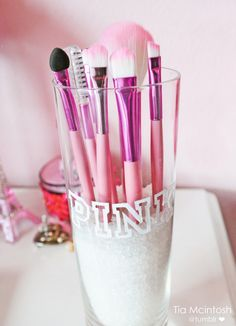 Love the pink makeup brushes you can never have too much pink!!