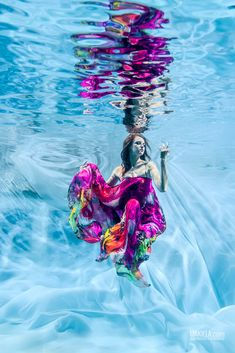 "/ Photo ""Colors on Ice II"" by Rafal Makiela - Gracefully Underwater ~ Underwater Model, Underwater Photoshoot, Underwater Pictures, Underwater Art, Dance Photography, Underwater Photography, Color Photography, Creative Photography, Water Photography"