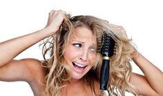 Vous avez les cheveux secs, ternes, bouclés, frisés, crépus ou afros ? Vos cheveux sont indisciplinés et vous cherchez une solution pour avoir des cheveux brillants, doux et sans frisotis ? Voici mes astuces et des recettes de bains d'huile simples aux huiles végétales et huiles essentielles pour réussir à obtenir des cheveux brillants.