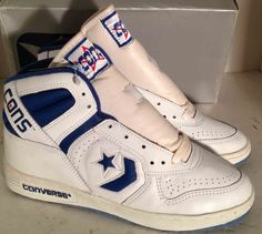 These were the only kicks worth wearing! LA Gear was popular with the ladies . Nike were kidding themselves! Converse Vintage, Vintage Sneakers, Classic Sneakers, Vintage Nike, High Top Sneakers, Sneakers Nike, Tenis Basketball, Trainer Shoes, Retro Styles