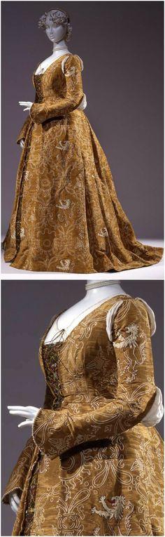 Costume for historical ball