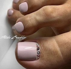 Nails gel, we adopt or not? - My Nails Glitter Toe Nails, Gel Toe Nails, Feet Nails, Toe Nail Art, Gel Toes, Pretty Toe Nails, Cute Toe Nails, Cute Acrylic Nails, Feet Nail Design