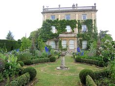 Highgrove...love the gardens