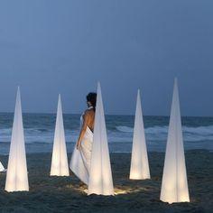 Piramide Outdoor Lighting For Wedding Beach Lighting, Cool Lighting, Outdoor Lighting, Wedding Lighting, Lighting Ideas, Lighting Design, Beach Wedding Flowers, Seaside Wedding, Beach Weddings