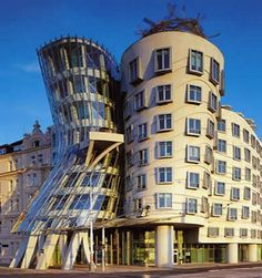 Dancing House, New Town, Prague by Architects Vlado Milunc and Frank Gehry Prague Architecture, Historical Architecture, Amazing Architecture, Architecture Design, Contemporary Architecture, Budapest, Glass Building, House Building, Prague